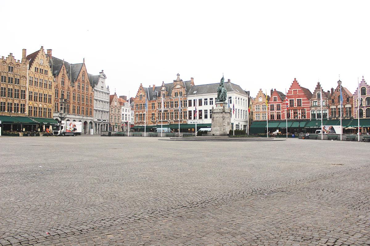 Brugia plac główny