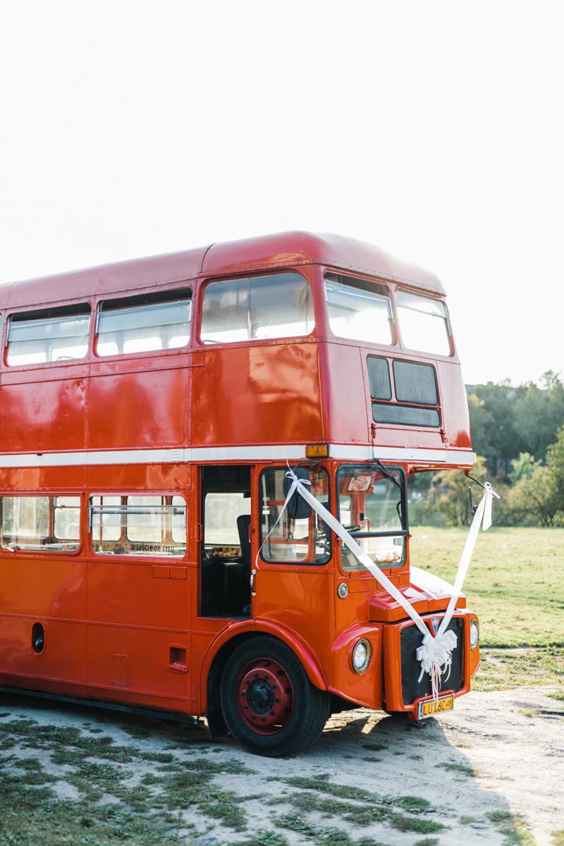 5 ślubnych tradycji - autobus
